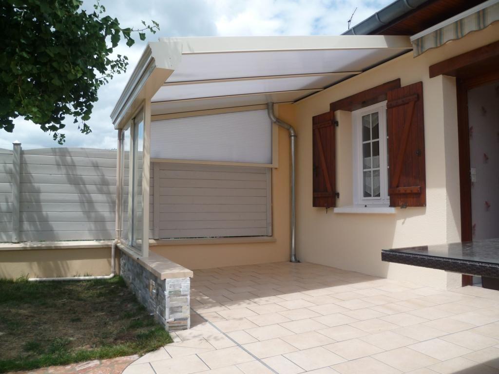 Le Préau En Aluminium, Une Façon Originale De Couvrir Une ... dedans Couvrir Une Terrasse