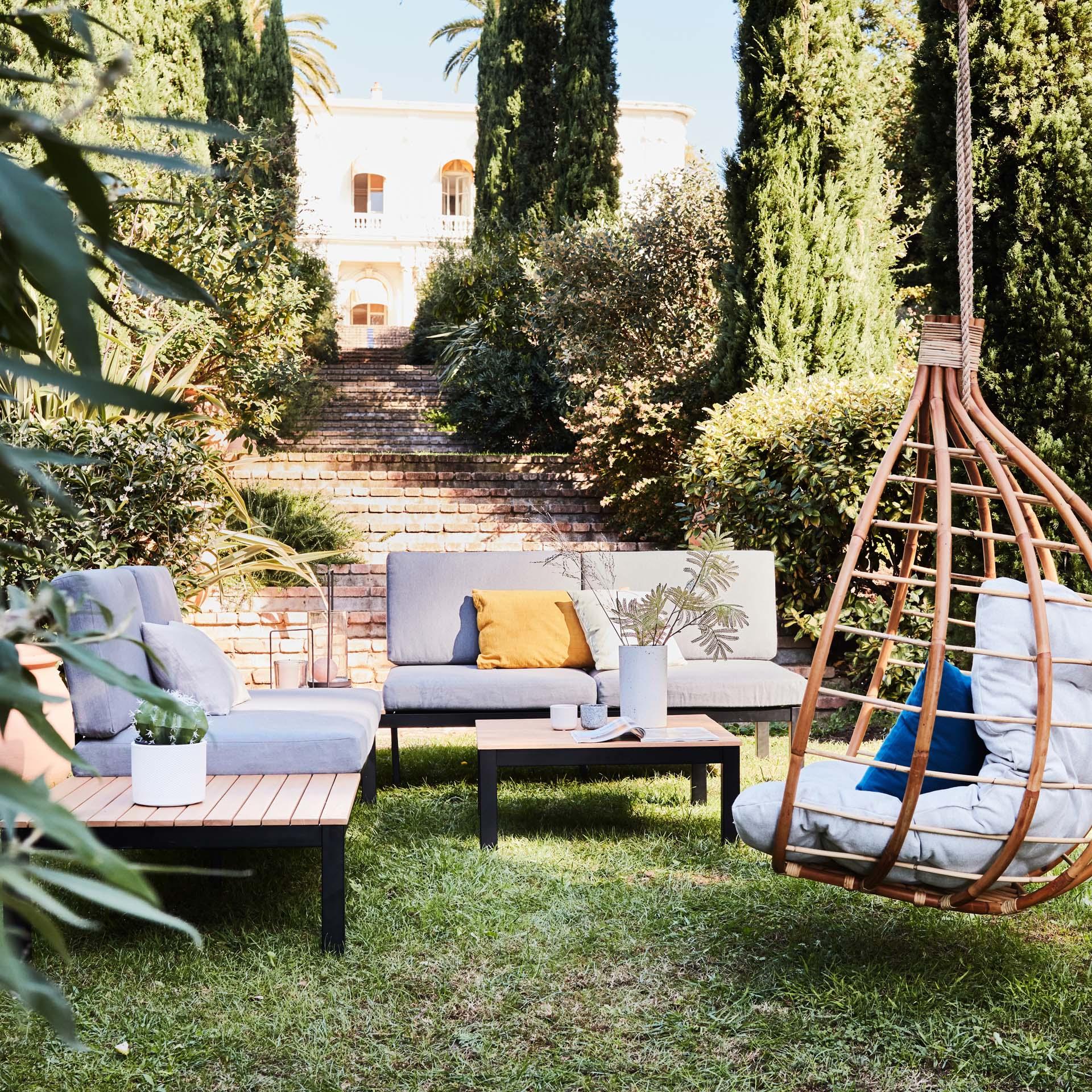 Les Salons De Jardin : Matériaux, Formats, Critères De Choix pour Petit Salon De Jardin