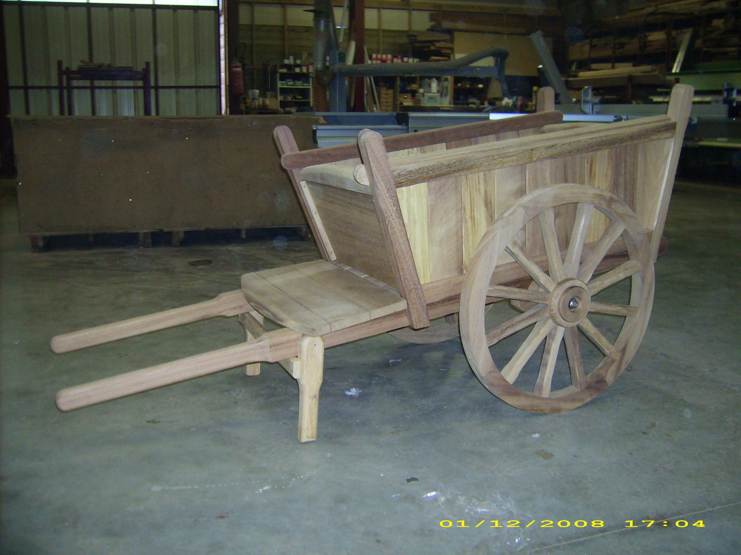 Menuiserie Bois Sur Mesure | Peio Garat - Charpente ... à Construire Une Charrette En Bois