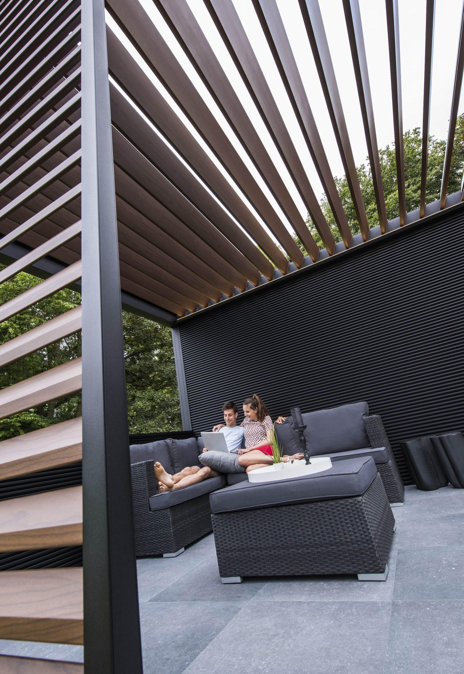 Outdoor Wohnzimer Deluxe: Lamellendach Renson Camargue ... tout Pergola Alu Pour Mobil Home