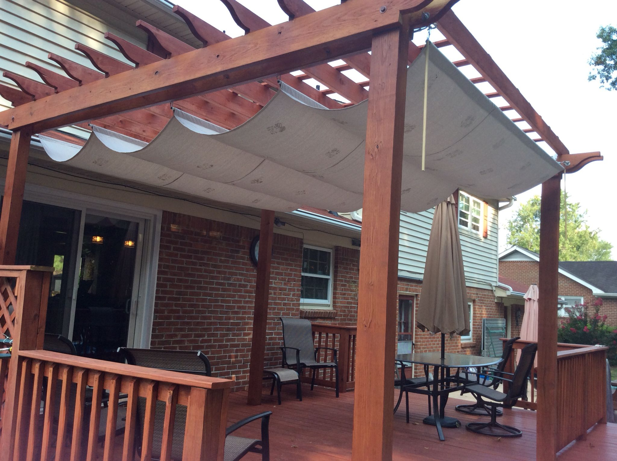 Pergola Shade. Made With A Painters Tarp From Home Depot, A ... serapportantà Pergola En Dur
