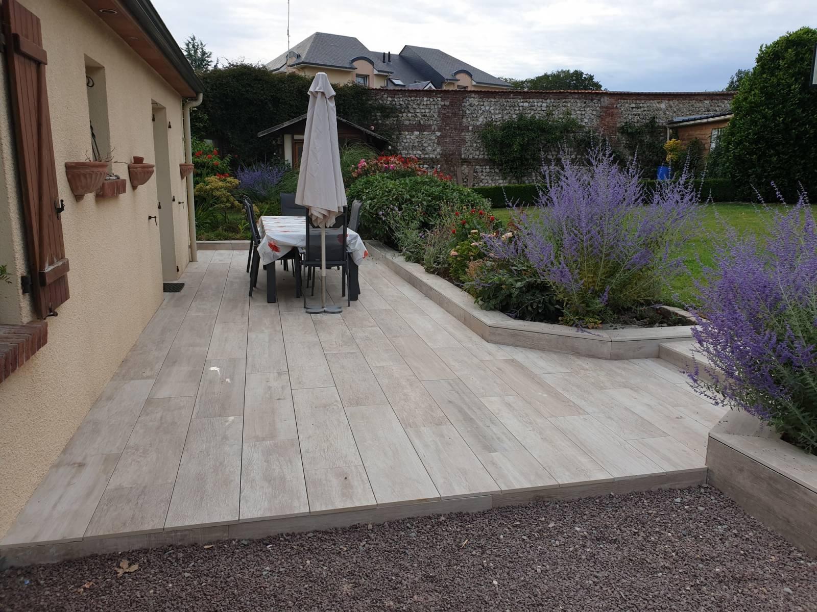 Pose Et Agrandissement D'une Terrasse En Dalle Céramique Sur ... à Dalle Terrasse Imitation Bois Sur Plot