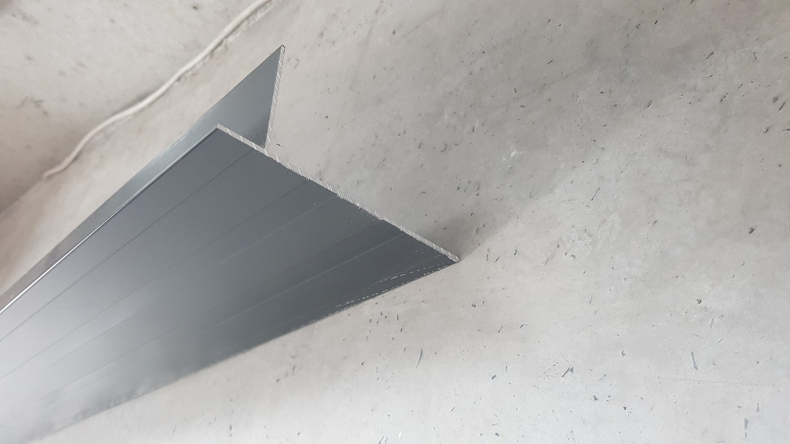 Profilé T12 Bordalu Aluminium avec Profil De Rive Dalle Sur Plot