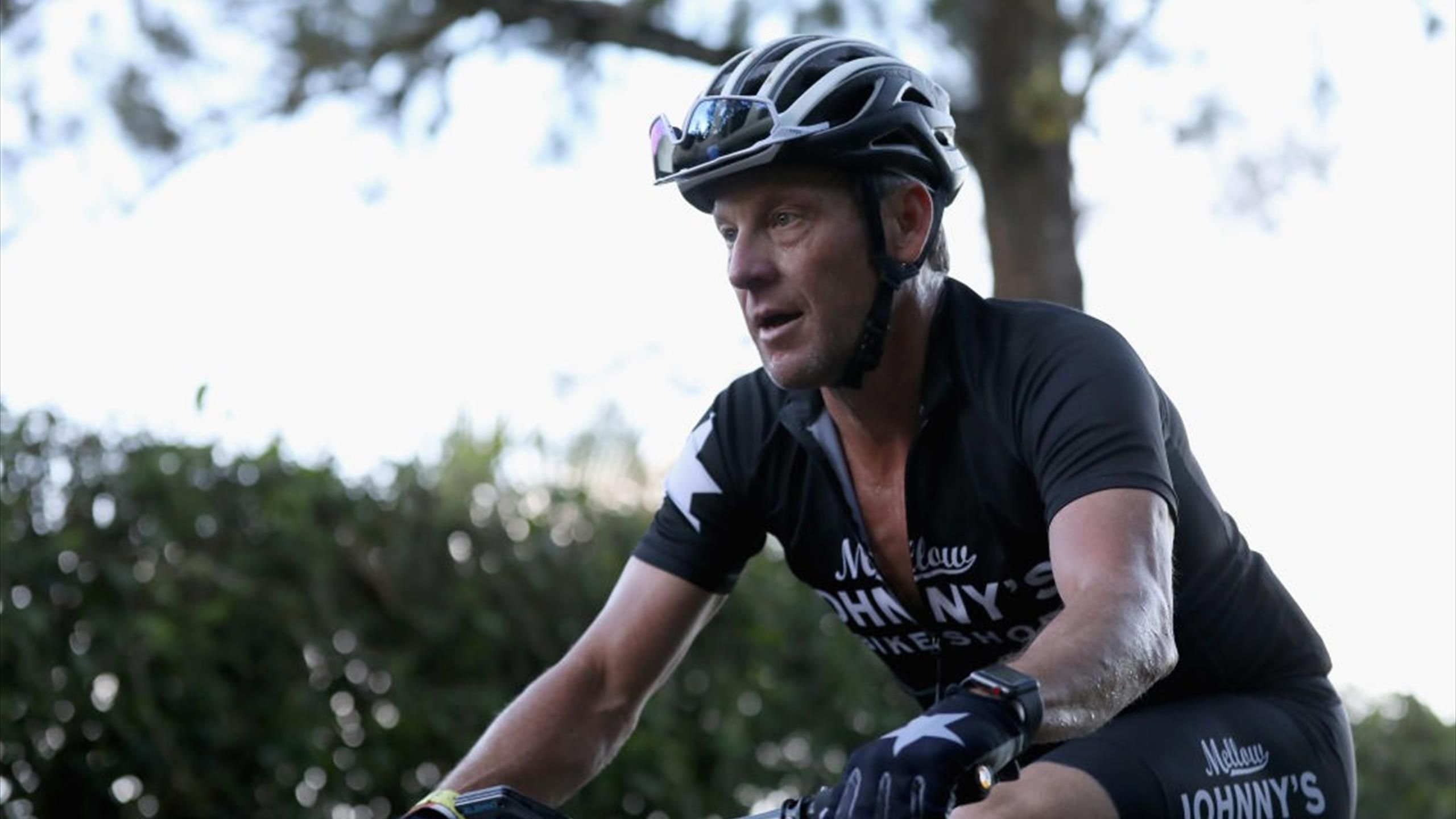 Route Du Sud: Sky Ebnet Elia Viviani Den Weg Zum Souveränen ... encequiconcerne Johnny Menut