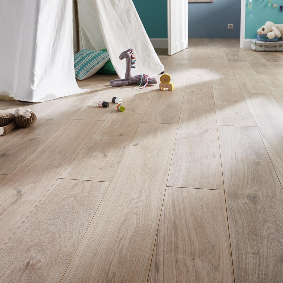 Sol Goodhome Pour Parquet Massif Brico Depot Idees Conception Jardin Idees Conception Jardin