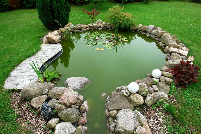 Construire Un Bassin De Jardin En 8 Étapes concernant Faire Un Bassin De Jardin