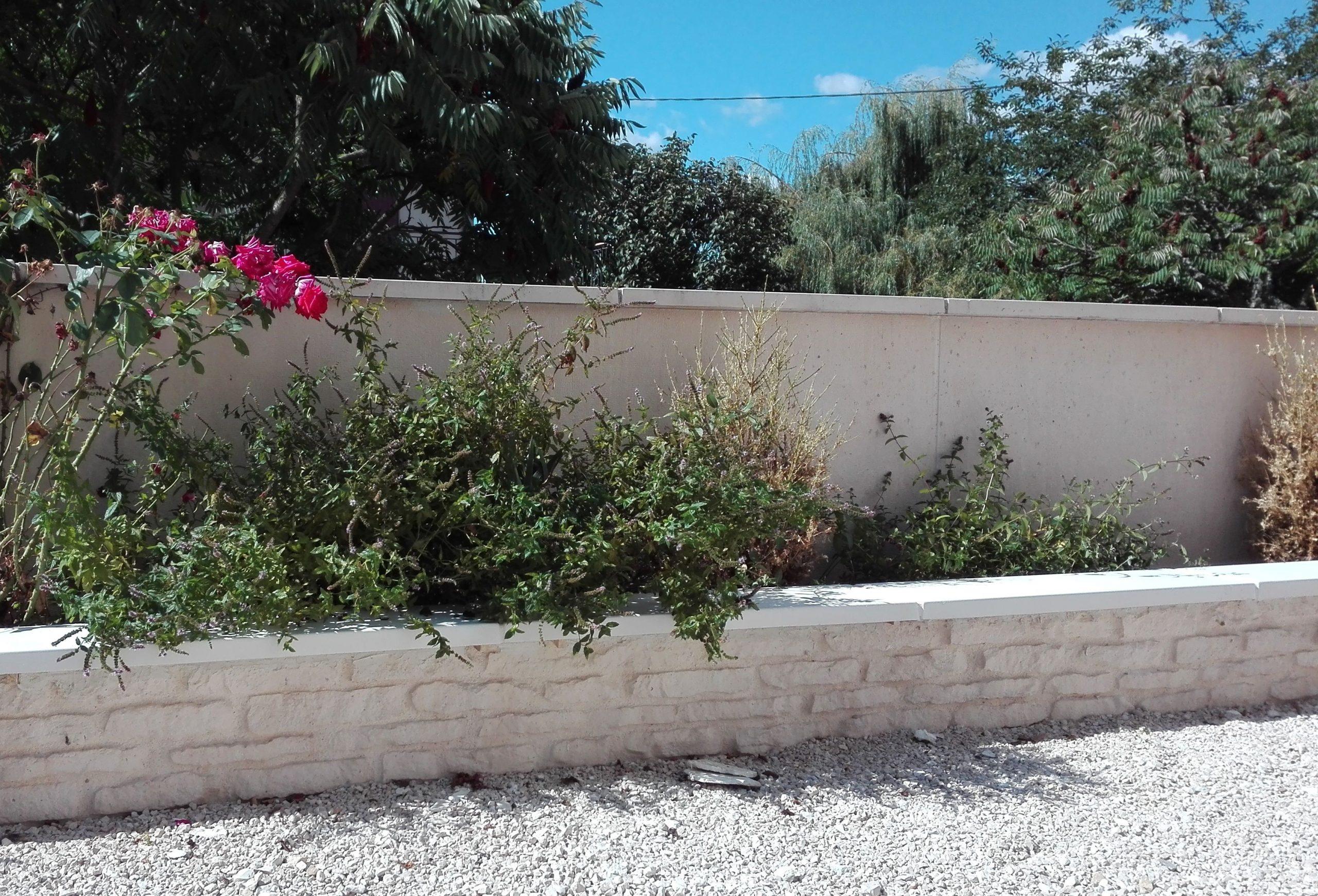 Mur (Muret) De Clôture Imitation Pierre , Fabriqué En Béton ... pour Bordure Jardin Imitation Pierre