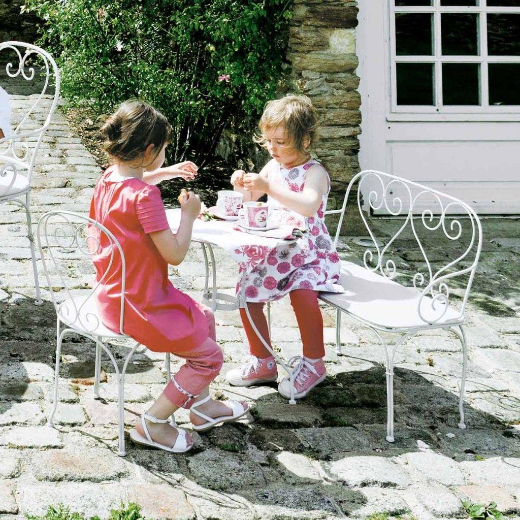 Salon De Jardin Pour Enfant Et Mobilier D'extérieur ... intérieur Salon De Jardin Pour Enfants