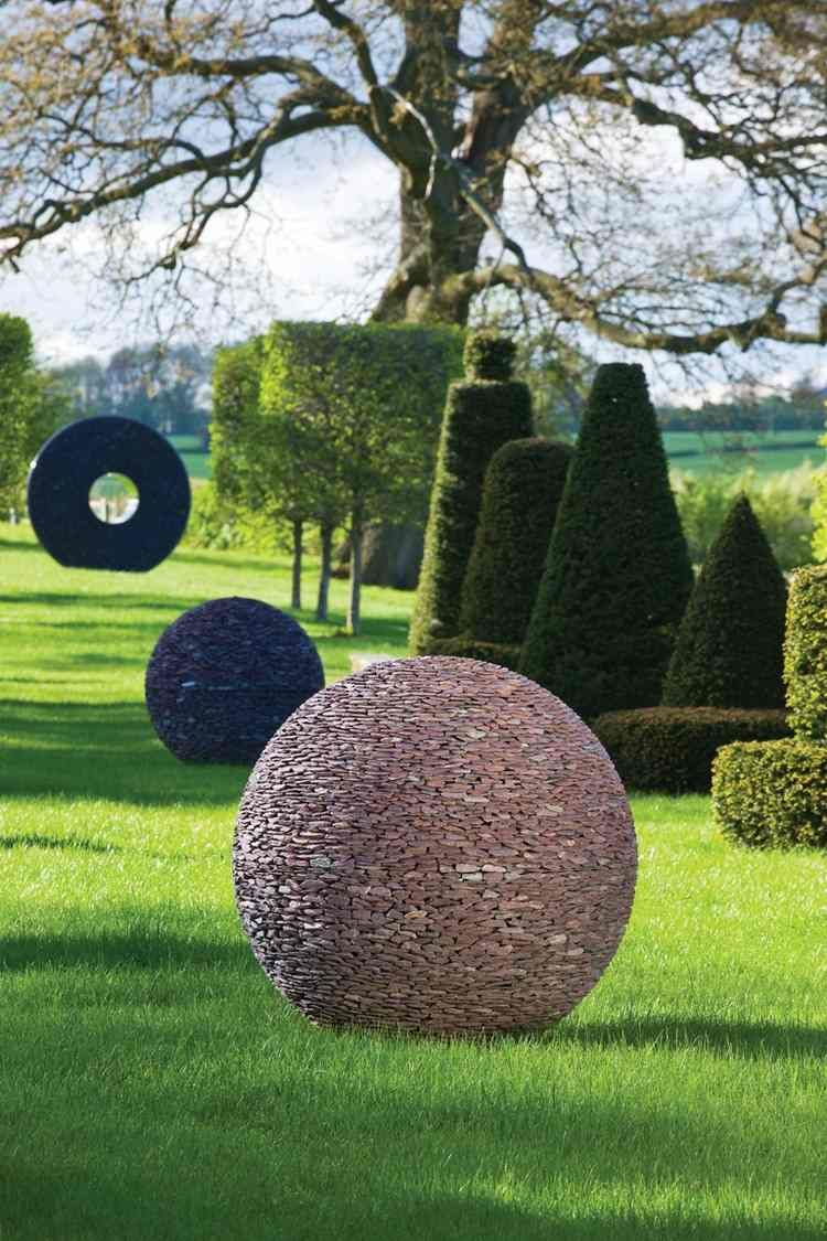 Sculpture-Moderne-Sphérique-Galets-Déco-Idées-Jardin ... encequiconcerne Sculpture Moderne Pour Jardin