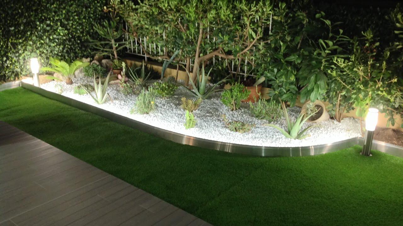 Tuto : Comment Poser Une Bordure De Jardin Aluminium Avec Eclairage Led  Integre- Apanages pour Bordure Jardin Zinc