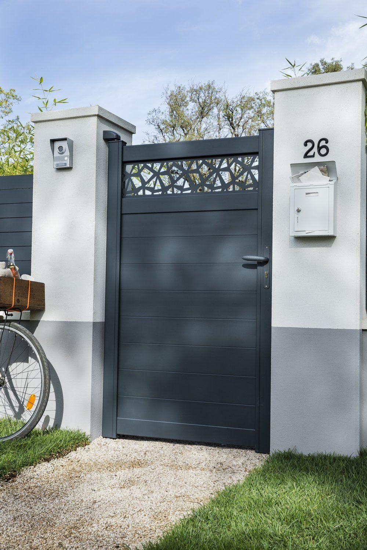 Un Portillon Moderne Et Ajouré Sur Le Haut En 2020 | Portail ... dedans Portillon Jardin Leroy Merlin