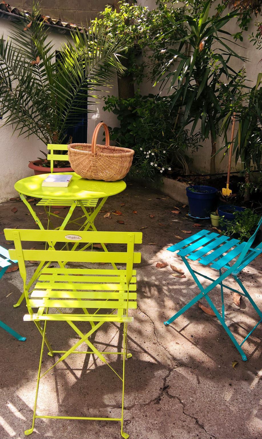 Un Salon De Jardin Pour Le Prix D'un Déjeuner En Terrasse ... tout Babou Table De Jardin