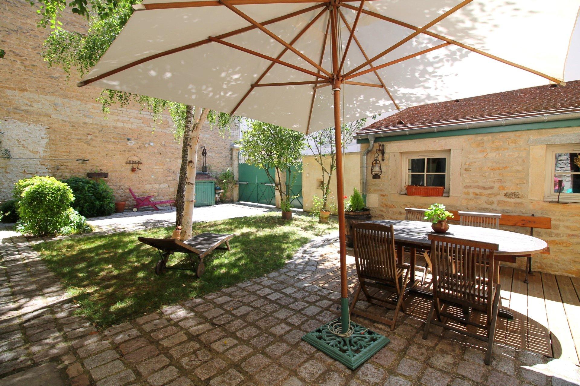 Vente Maison De Ville Avec Jardin Et Stationnement Dijon Centre tout Appartement Rez De Jardin Dijon