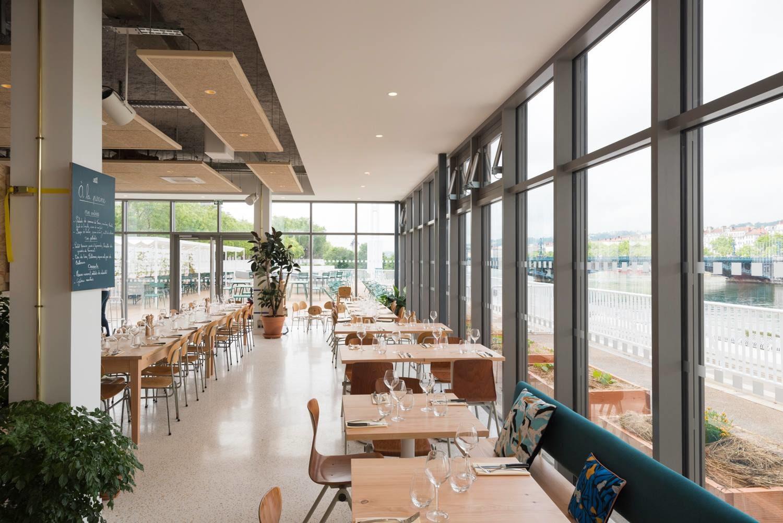 À La Piscine, Bar-Restaurant Avec Terrasse À Lyon - Heure ... à Piscine Lyon 3