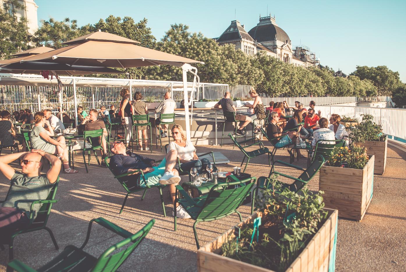 À La Piscine, Bar-Restaurant Avec Terrasse À Lyon - Heure ... serapportantà Piscine Lyon 3