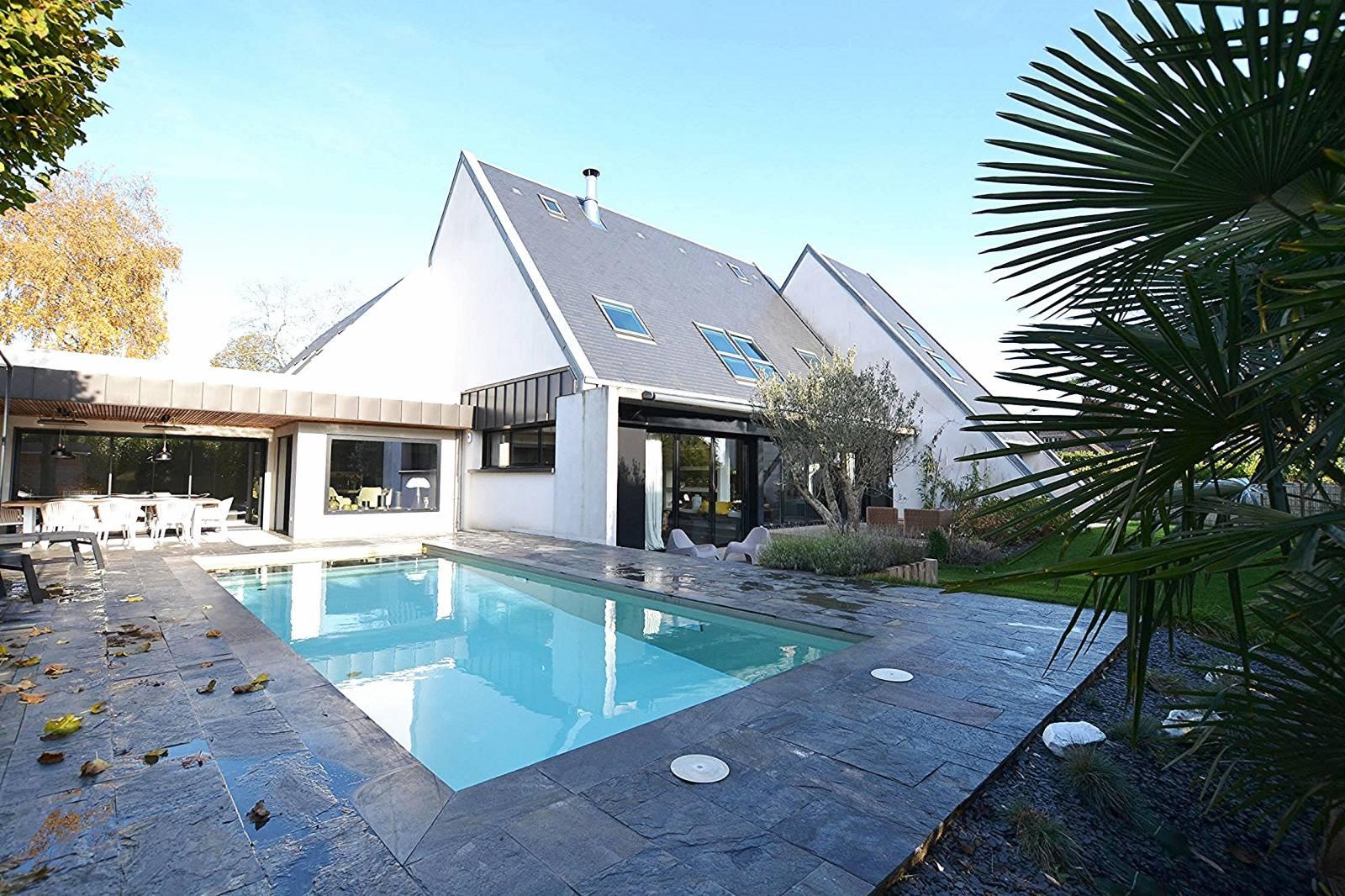 A Vendre Magnifique Maison D'architecte Avec Piscine Sur La ... intérieur Maison A Vendre Avec Piscine