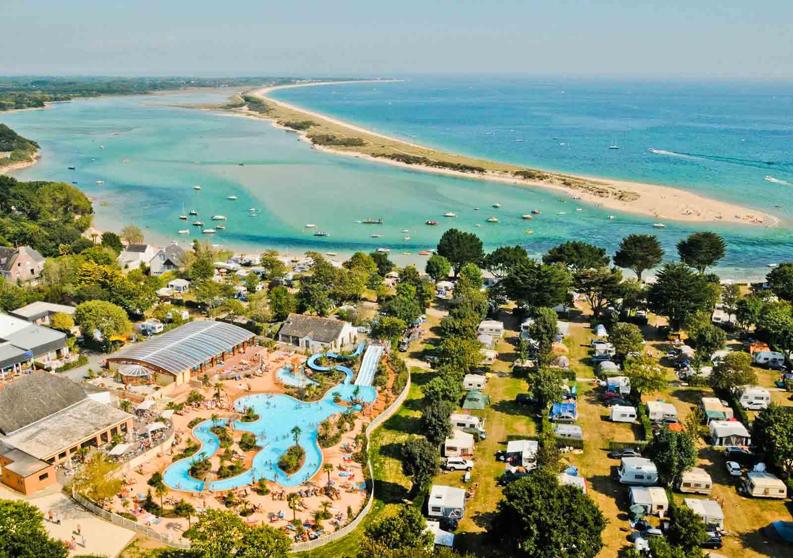 Camping Avec Parc Aquatique, Bassin, Espace, Toboggan ... encequiconcerne Camping Var Bord De Mer Avec Piscine