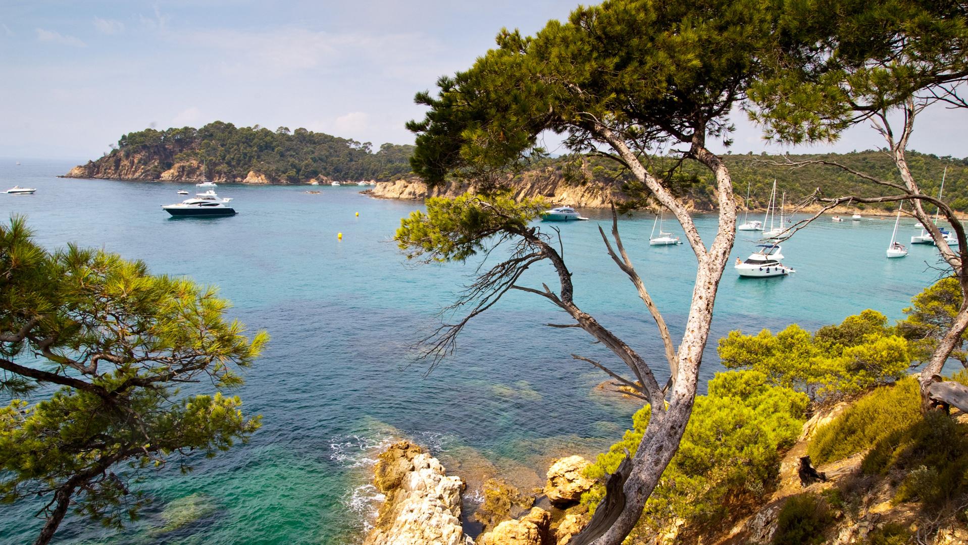 Camping Toulon Avec Piscine - Var 83 concernant Camping Var Bord De Mer Avec Piscine
