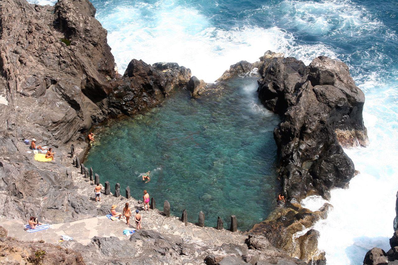 Charco De La Laja, Petite Piscine Naturelle. : Mer : Santa ... à Piscine Naturelle Tenerife