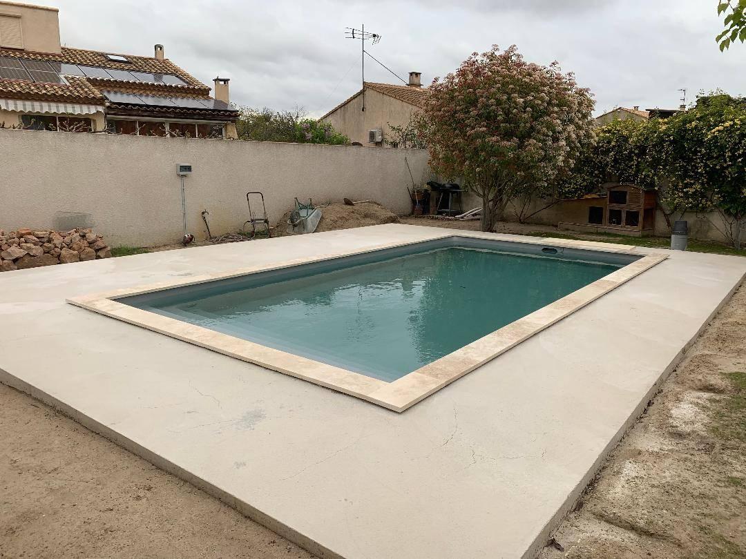 Construction D'une Piscine Desjoyaux De 7X3.5 Mètres Sur ... dedans Piscine Desjoyaux Promo