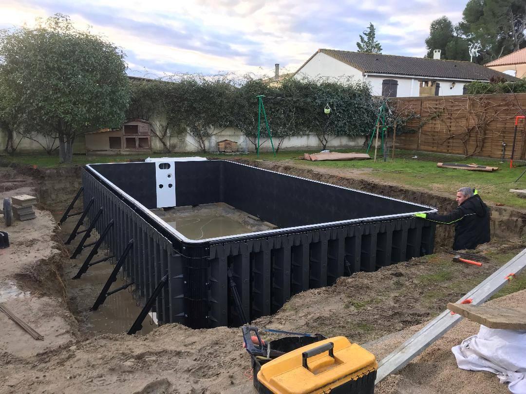 Construction D'une Piscine Desjoyaux De 7X3.5 Mètres Sur ... serapportantà Pompe A Chaleur Piscine Desjoyaux