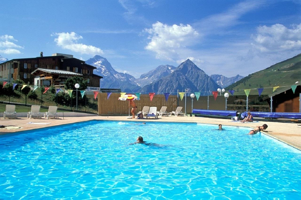Eté Les Deux Alpes – Kangourou-Club intérieur Piscine Les Deux Alpes
