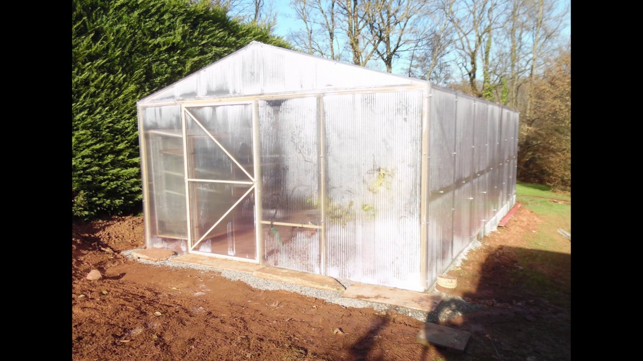 Faire Une Serre En Polycarbonate encequiconcerne Serre De Jardin Polycarbonate 18M2
