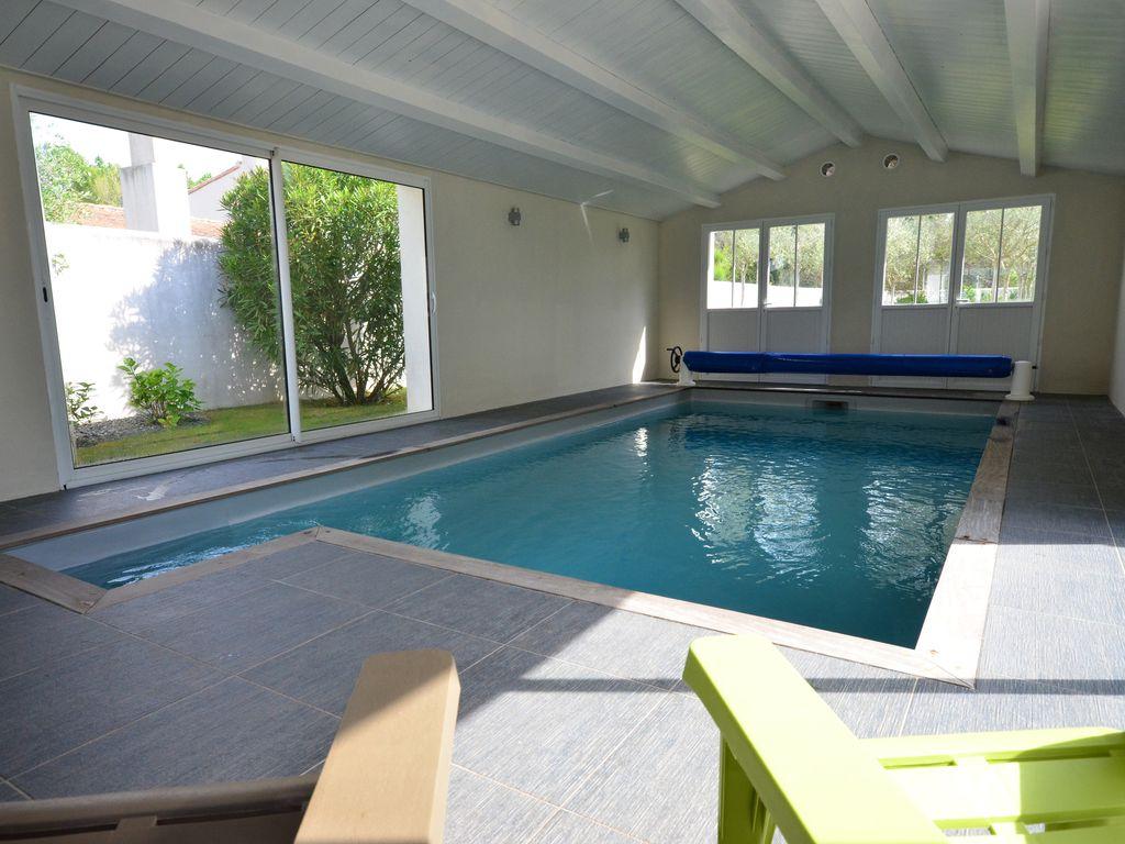 Grande Villa Spacieuse Tout Confort, Piscine Intérieure Chauffée -  Rivedoux-Plage tout Maison Piscine Intérieure