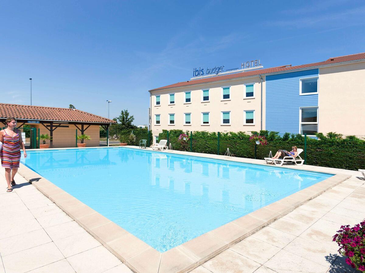 Hotel Ibis Budget Lyon Isle D'abeau, Saint-Quentin-Fallavier ... pour Piscine De L Isle D Abeau