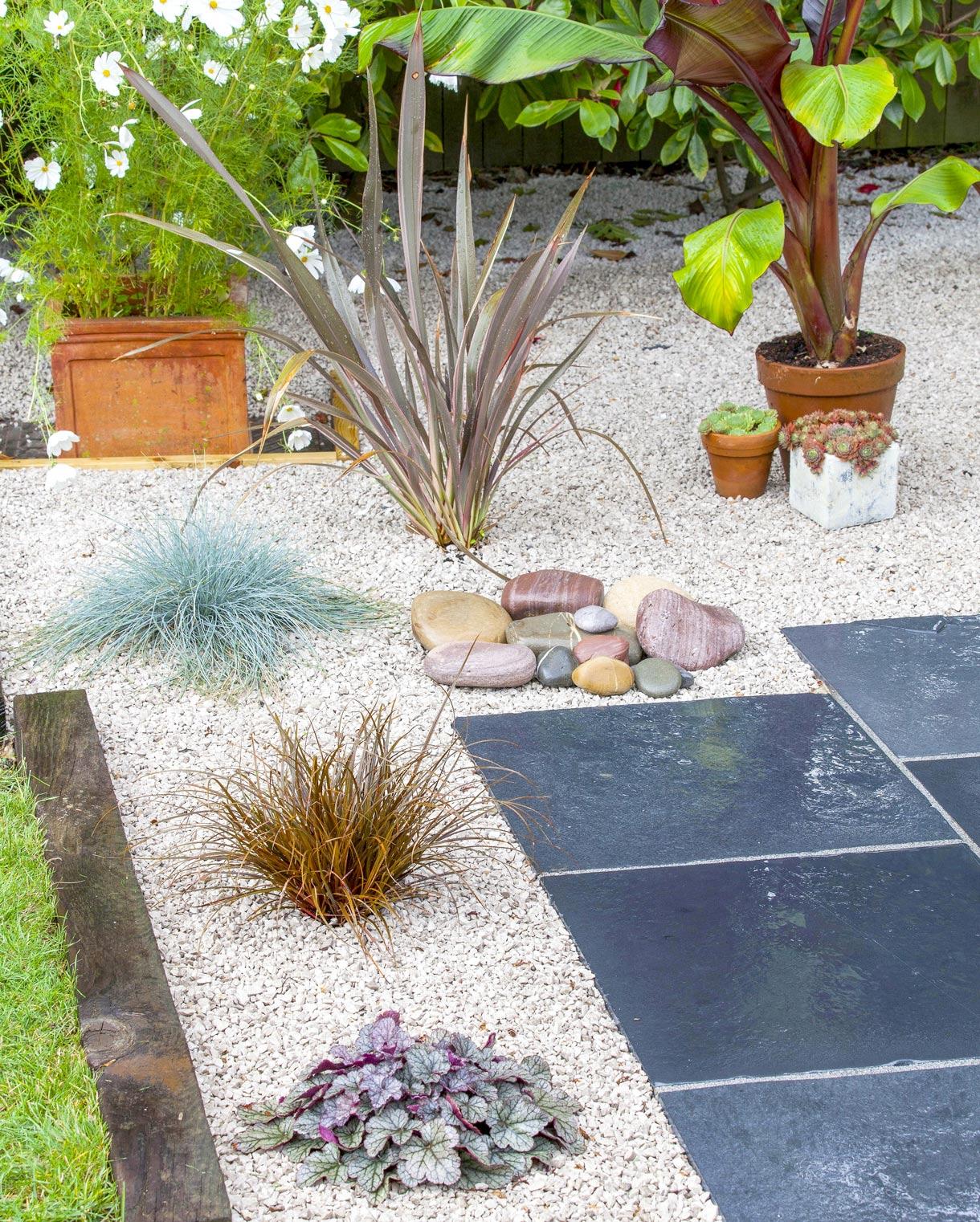 Jardin Sur Gravier : Réussir L'aménagement D'un Jardin ... destiné Massif Decoratif Exterieur