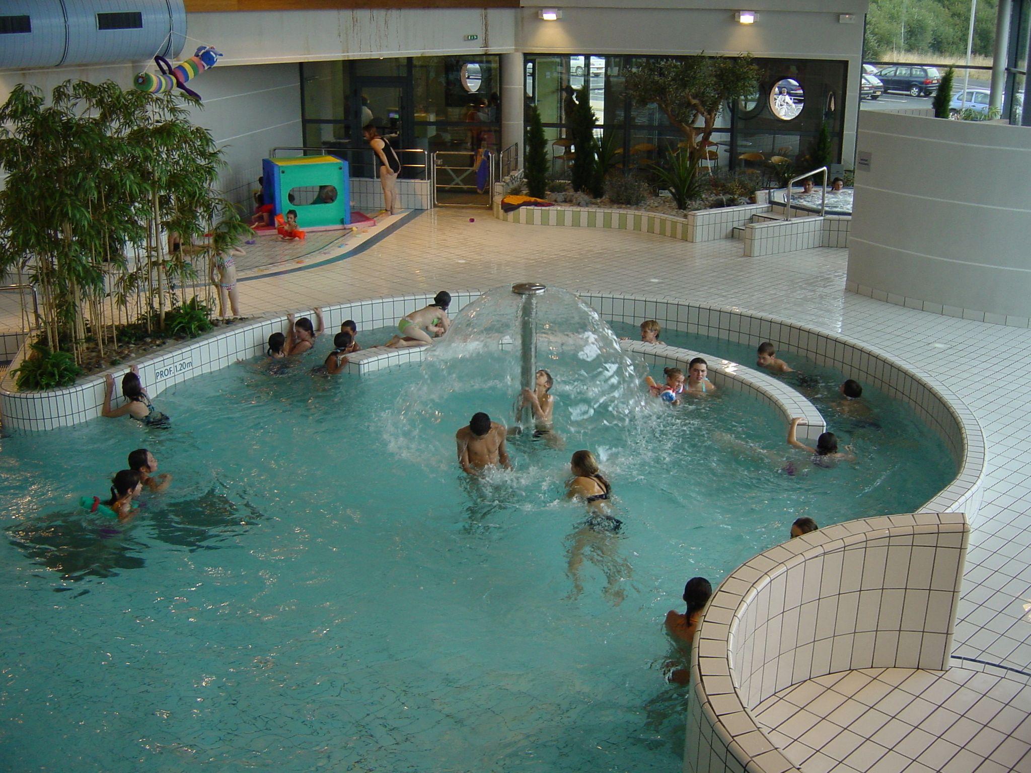 Le Centre Aquatique Le Grand 9 encequiconcerne Piscine St Philbert