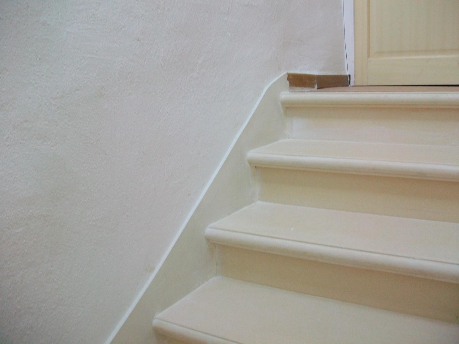 Les Plinthes D'escalier destiné Plinthe Carrelage Escalier