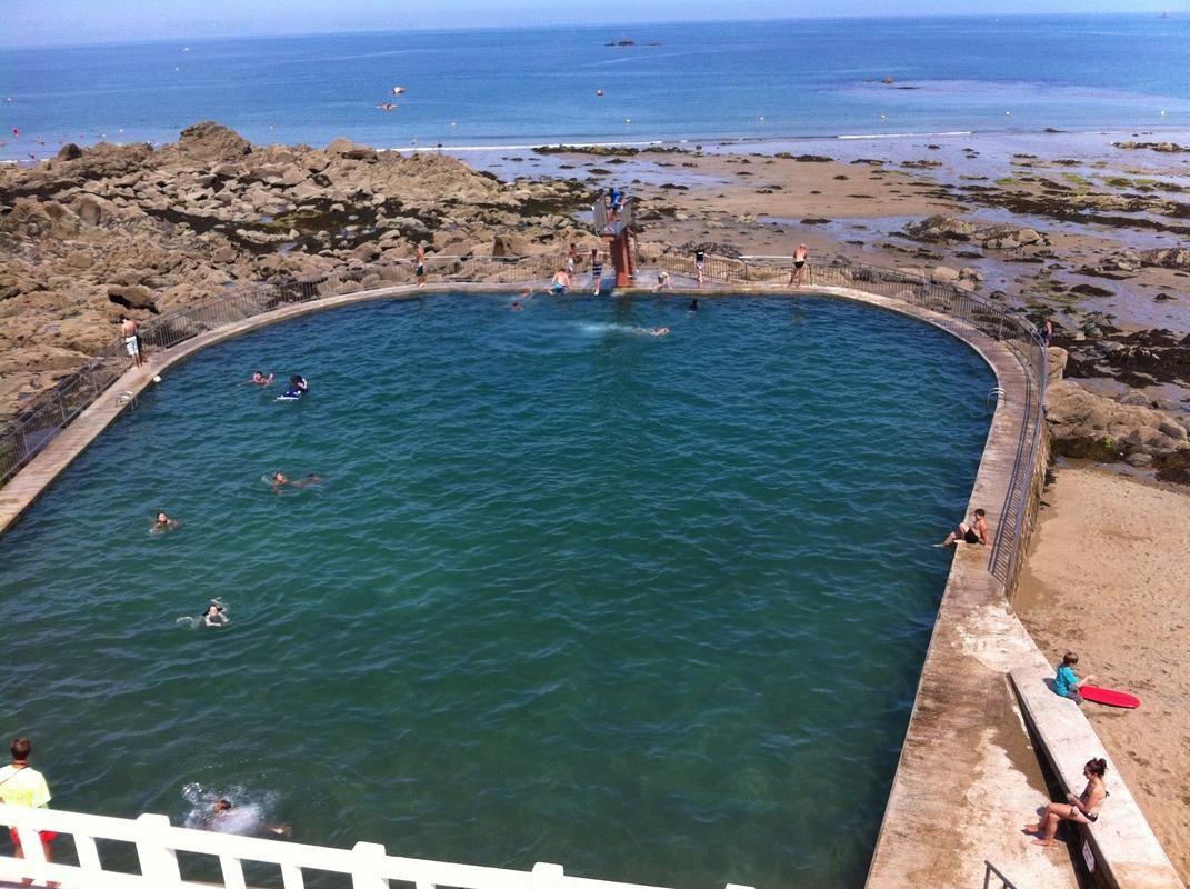 Piscine D'eau De Mer De Saint Quay Portrieux | Piscine D'eau ... intérieur Piscine Eau De Mer