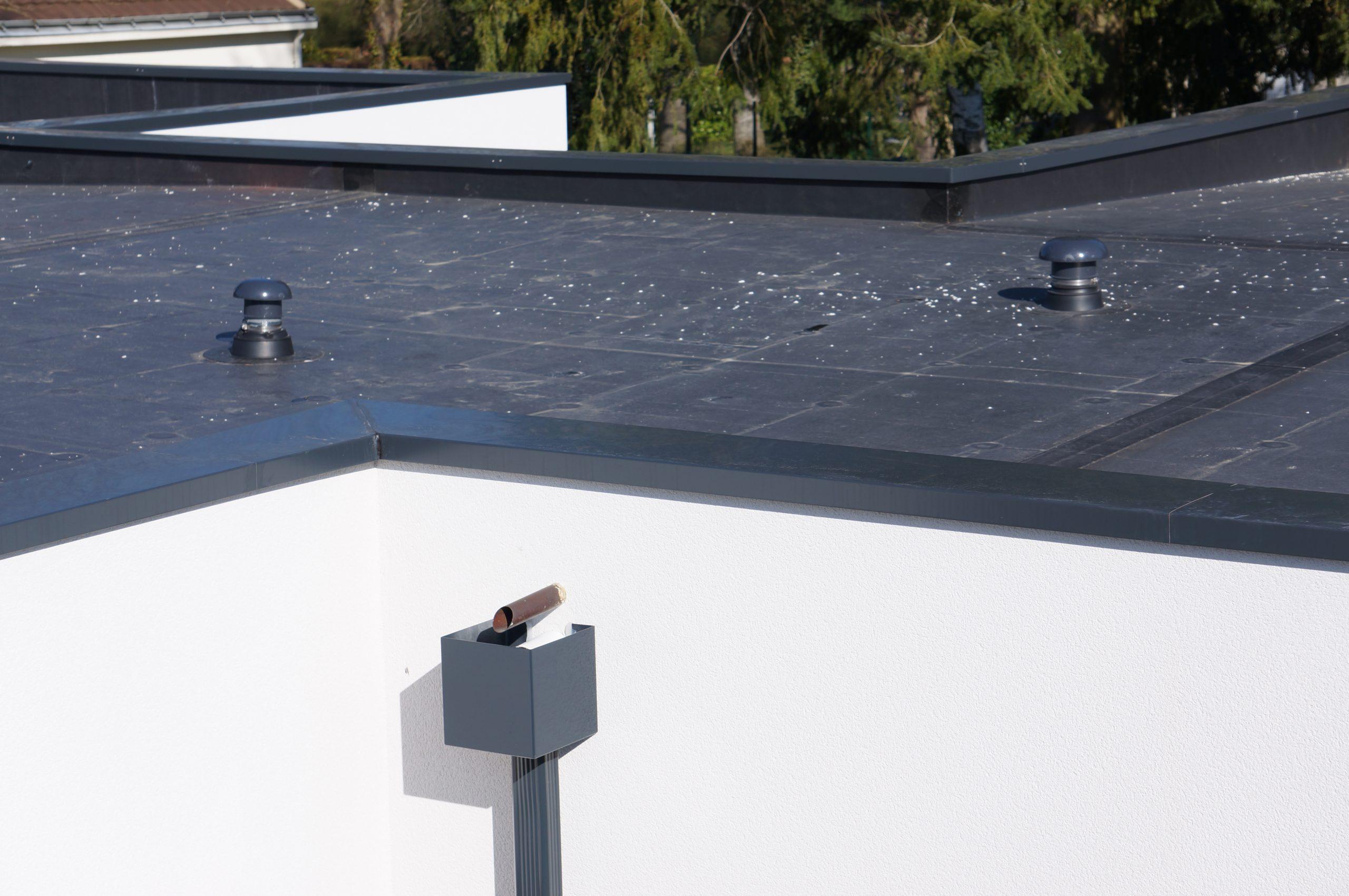 Pose De Gouttière Aluminium Et Étanchéité Toiture Terrasse destiné Isolation Toit Terrasse Nantes
