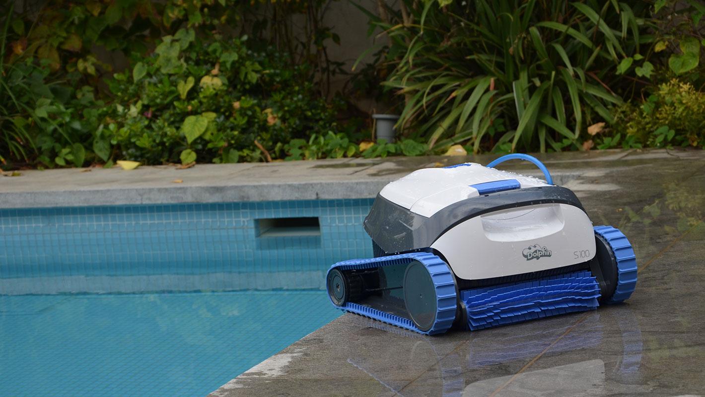 Robot De Piscine Dolphin S100 | Nettoyage Autonome concernant Robot Piscine Dolphin S100