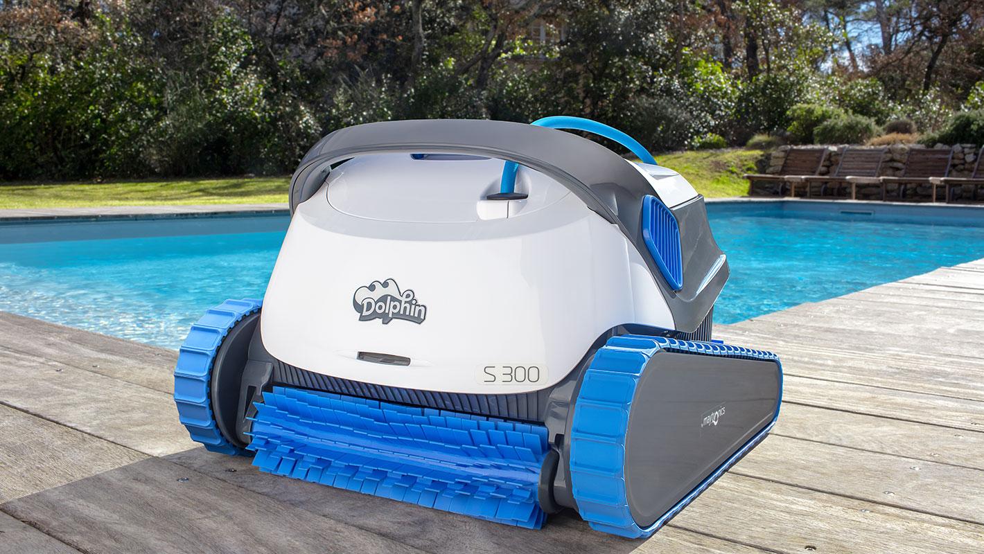 Robot De Piscine Dolphin S300   Nettoyage Professionnel serapportantà Prix Robot Piscine