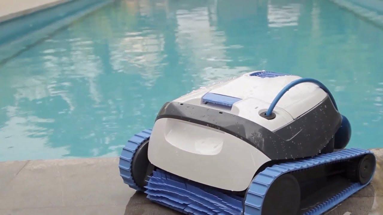 Robot Piscine Électrique Dolphin S100 - Présentation Démonstration -  Robotpiscine.fr dedans Robot Piscine Dolphin S100
