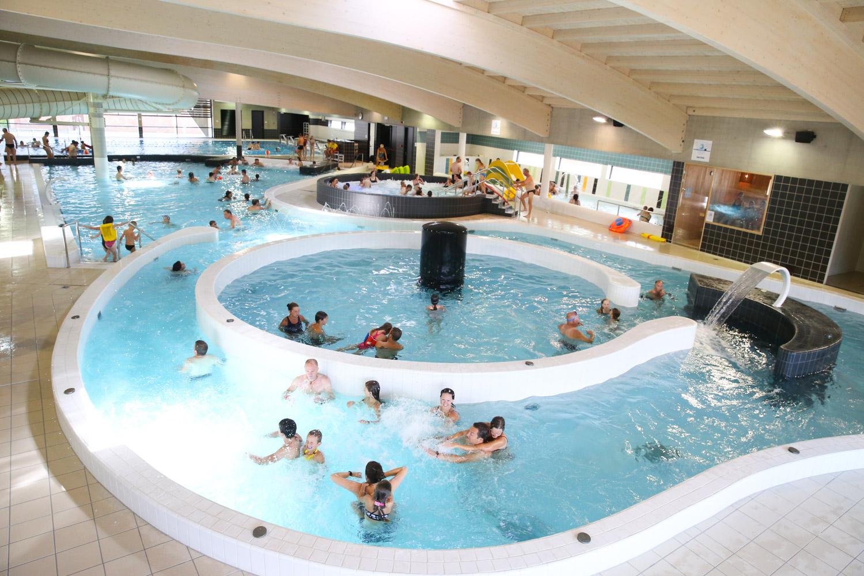 "Schwimmbad ""de Kouter"" serapportantà Piscine De Poperinge"