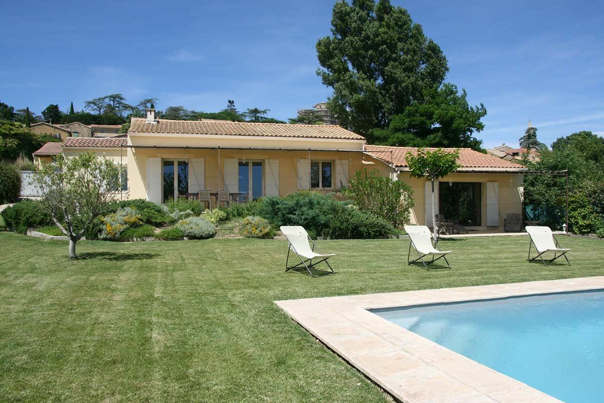 Villa De Plain-Pied En Excellent État Avec Piscine Chauffée ... à Maison A Vendre Avec Piscine