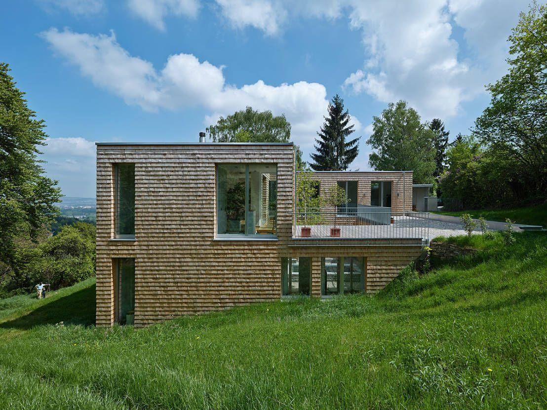 18 Plan Maison Sur Terrain En Pente Descendante | Arch House ... destiné Maisons Design En Pente
