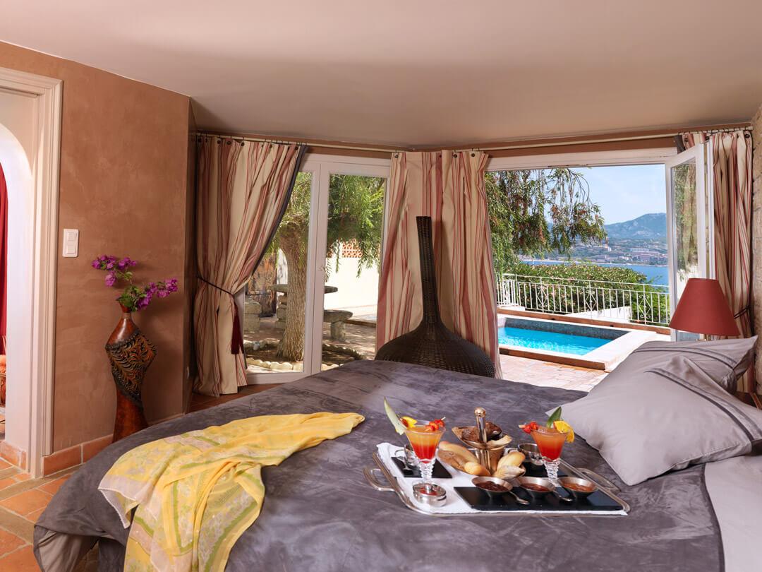 6 Superbes Hôtels Avec Piscine Privée Dans Votre Chambre En ... encequiconcerne Hotel Avec Piscine Privée Dans La Chambre France