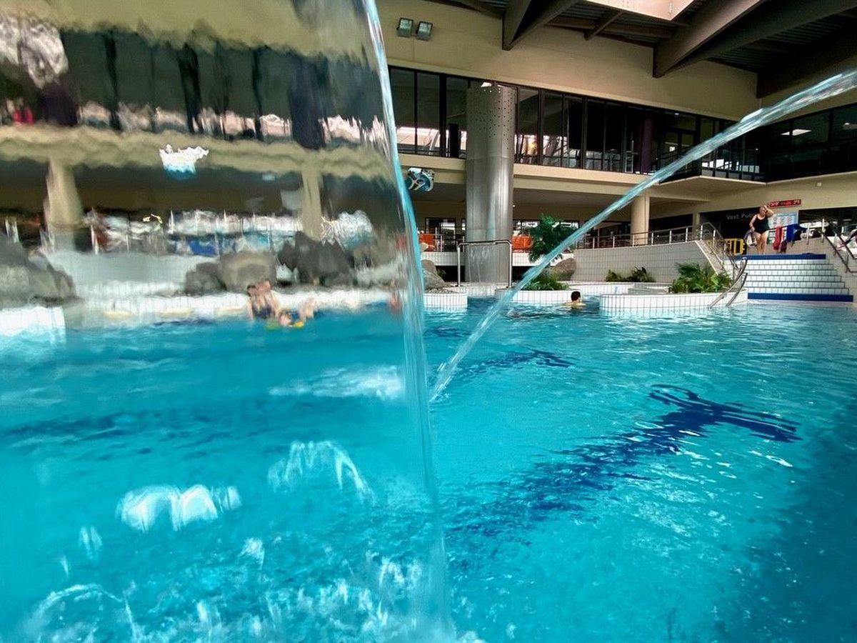 Aquapolis De Limoges : Piscine Attend Nageurs Avec ... tout Piscine Aquapolis Limoges