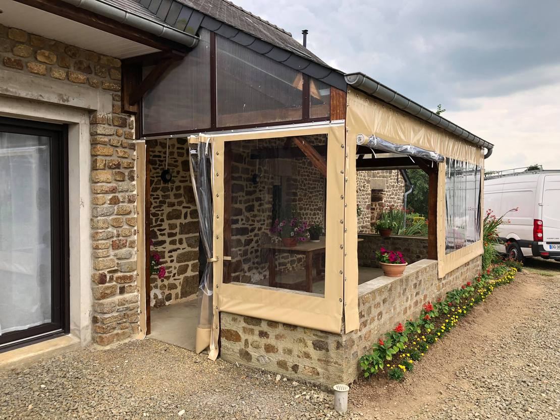 Bâches Sur-Mesure Pour La Fermeture D'Une Terrasse encequiconcerne Photo Fermer Une Terrasse Couverte