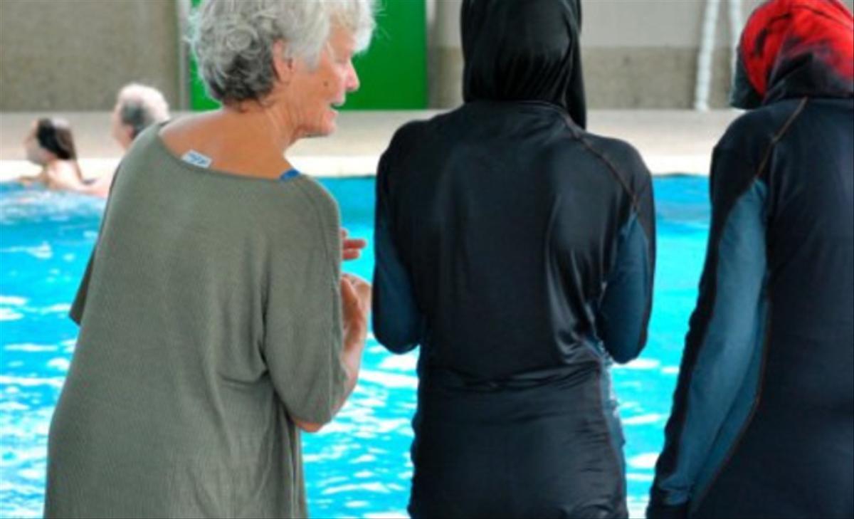 Bâle – Piscine: Nouvelles Règles Pour Des Musulmanes «Ultra ... concernant Piscine Réservée Aux Femmes Musulmanes