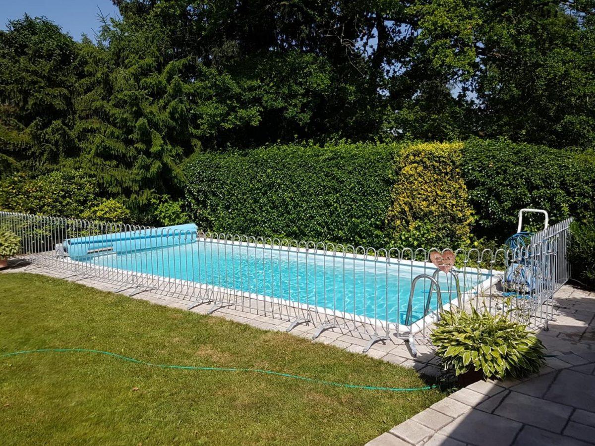 Barrière Piscine Poolfix - Melabel® Clôtures dedans Cloture Pour Piscine