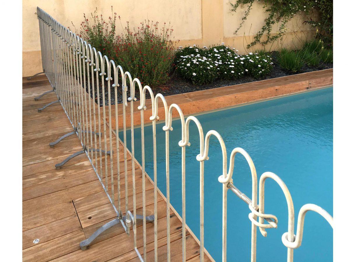 Barrière Piscine Poolfix - Melabel® Clôtures tout Barriere Amovible Piscine