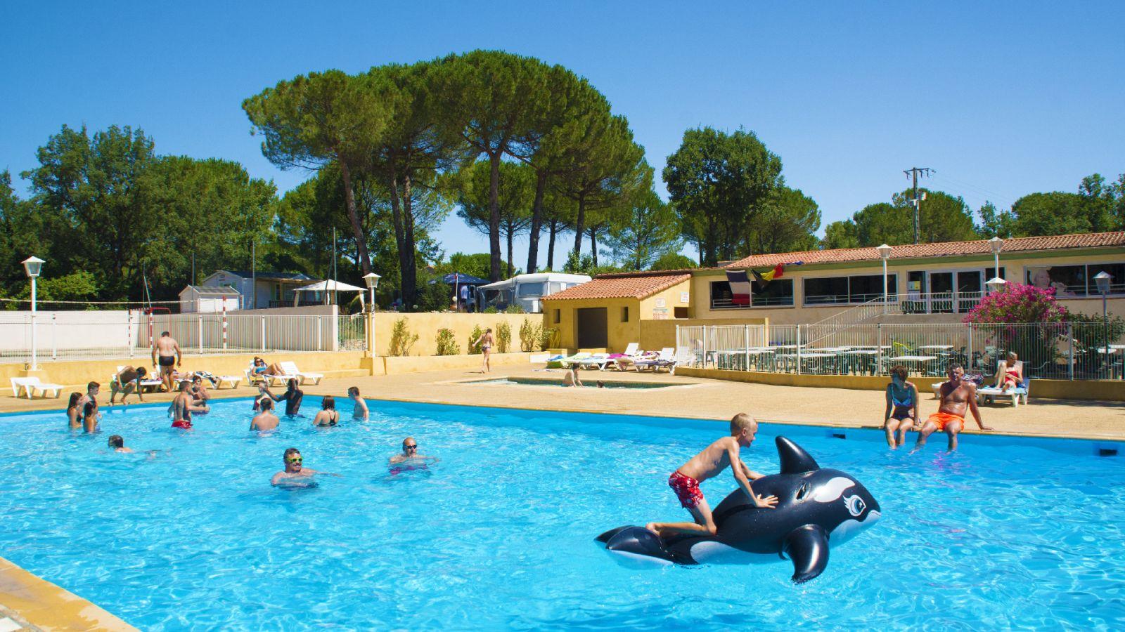 Camping 3 Étoiles En Provence Pour Vos Vacances Dans Le Sud intérieur Camping Marseille Avec Piscine