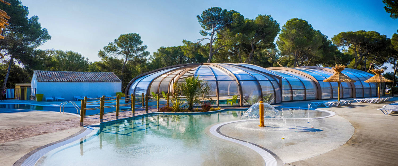 Camping | Camping Yelloh Village Avignon Parc À Vedène ... destiné Camping Avignon Avec Piscine