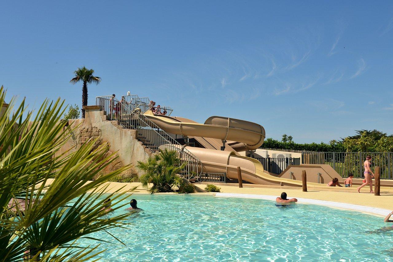Camping Eskualduna (Hendaye, France) - Tarifs 2021 Mis À ... serapportantà Camping Hendaye Avec Piscine