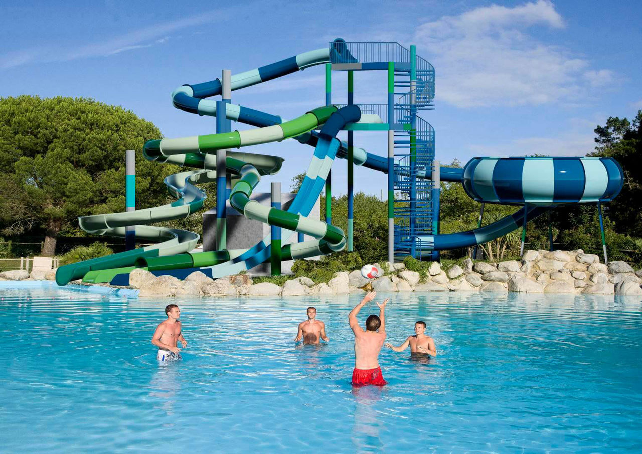 Camping Holidays Ruisseau In South France, Family Beach ... tout Camping St Jean De Luz Avec Piscine